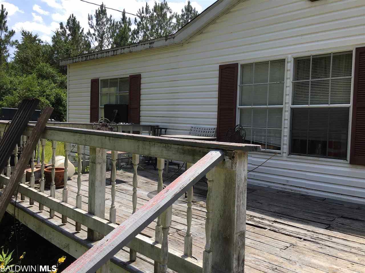 17913 E Lake Road, Seminole, AL 36574