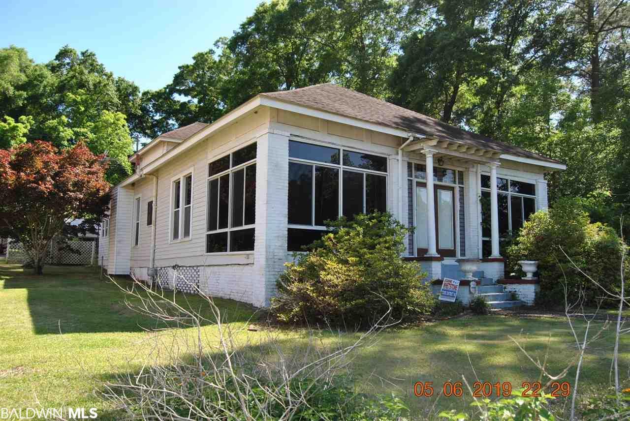 1807 Cleveland Avenue, Castleberry, AL 36432