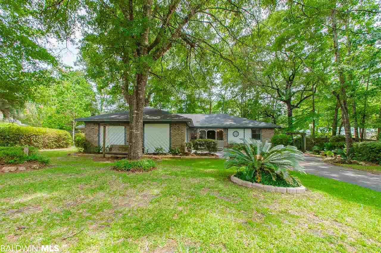 102 Lively Circle, Daphne, AL 36526