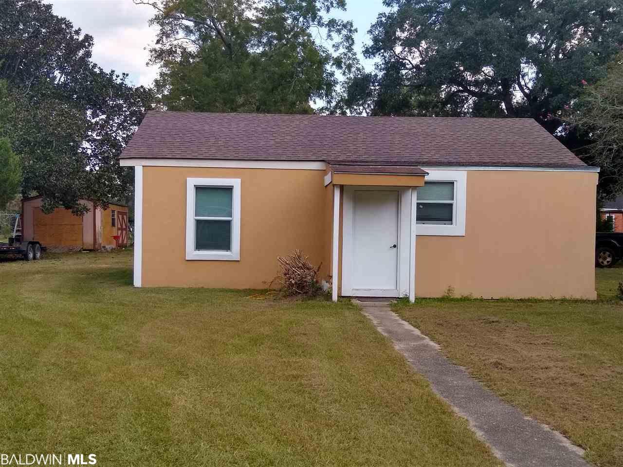 1100 N Pine Street, Foley, AL 36535