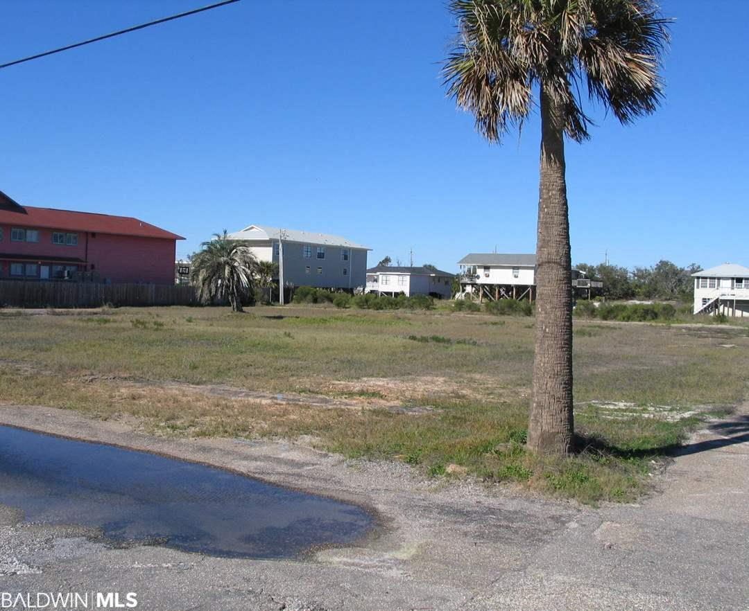 1050 W Beach Blvd, Gulf Shores, AL 36542
