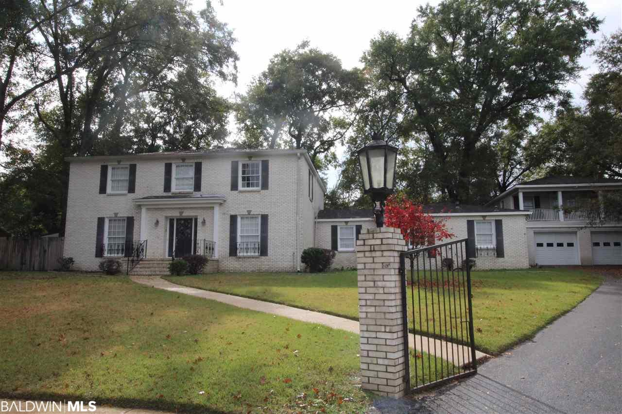728 Oak Hill Court, Mobile, AL 36609