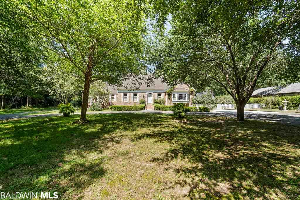 18302 Woodland Drive, Fairhope, AL 36532