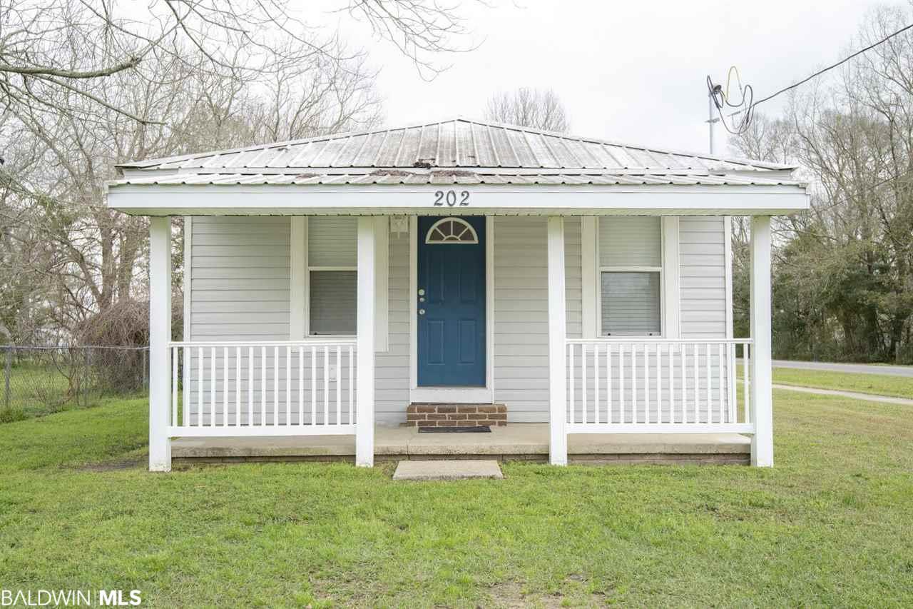 202 NE 2nd Street, Summerdale, AL 36580