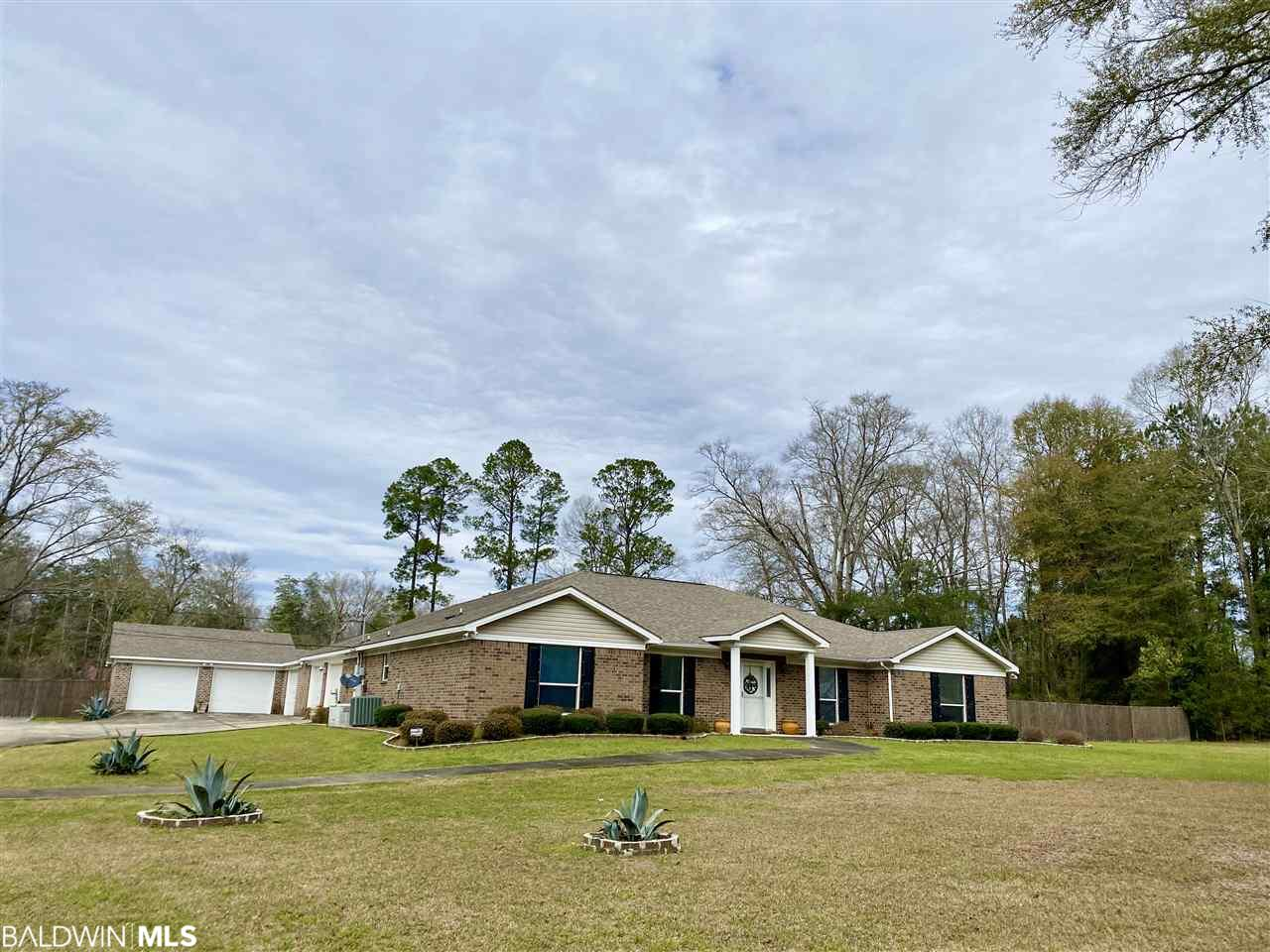 883 Dr Martin Luther King Jr Dr, Brewton, AL 36426