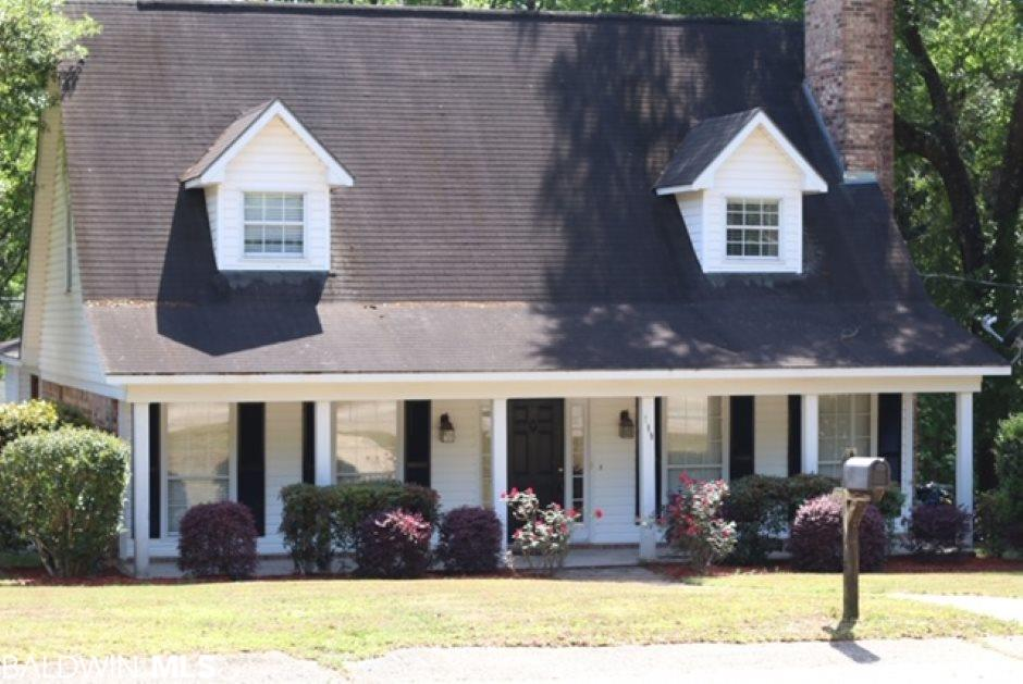 Beautiful Lake Forest home offering 3 bedrooms and 2.5 bathrooms. This home offers spacious bedrooms, large kitchen with plenty of cabinets, formal dining room, Great room with fireplace and French doors, crown moldings and a large deck for entertaining or relaxing. Must see this beauty!