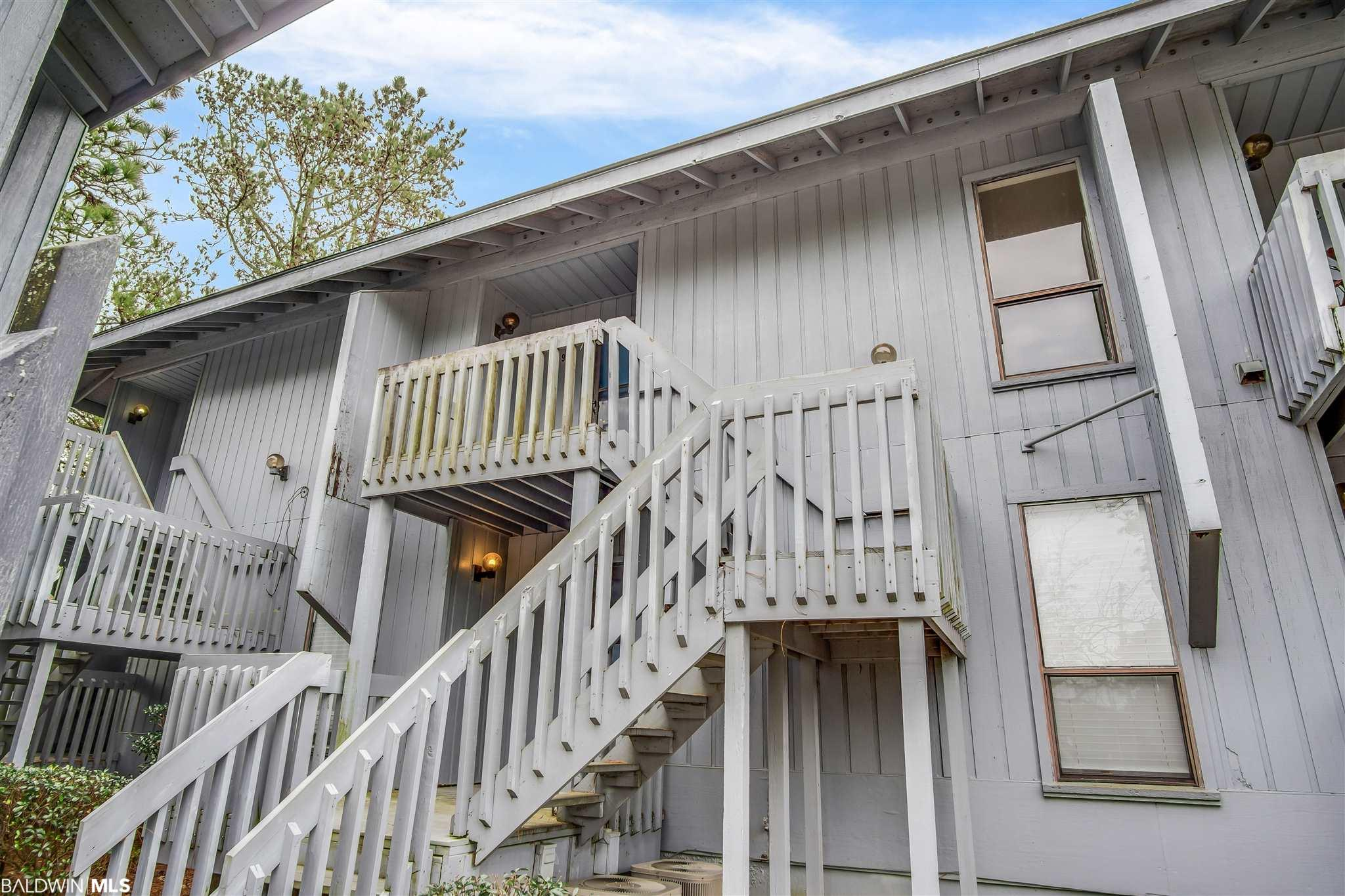 This cute one bed / one bath condo is located in Golf Terrace. Enjoy your morning coffee sitting on the balcony with a view of the fairway and wooded area beyond that. Granite counter tops in the kitchen and stackable washer/dryer in the bathroom. Schedule a showing with your favorite realtor today!