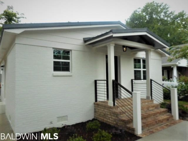 LOCATED JUST BLOCKS FROM DOWNTOWN FAIRHOPE, COMPLETE REMODEL 3BR 2BA