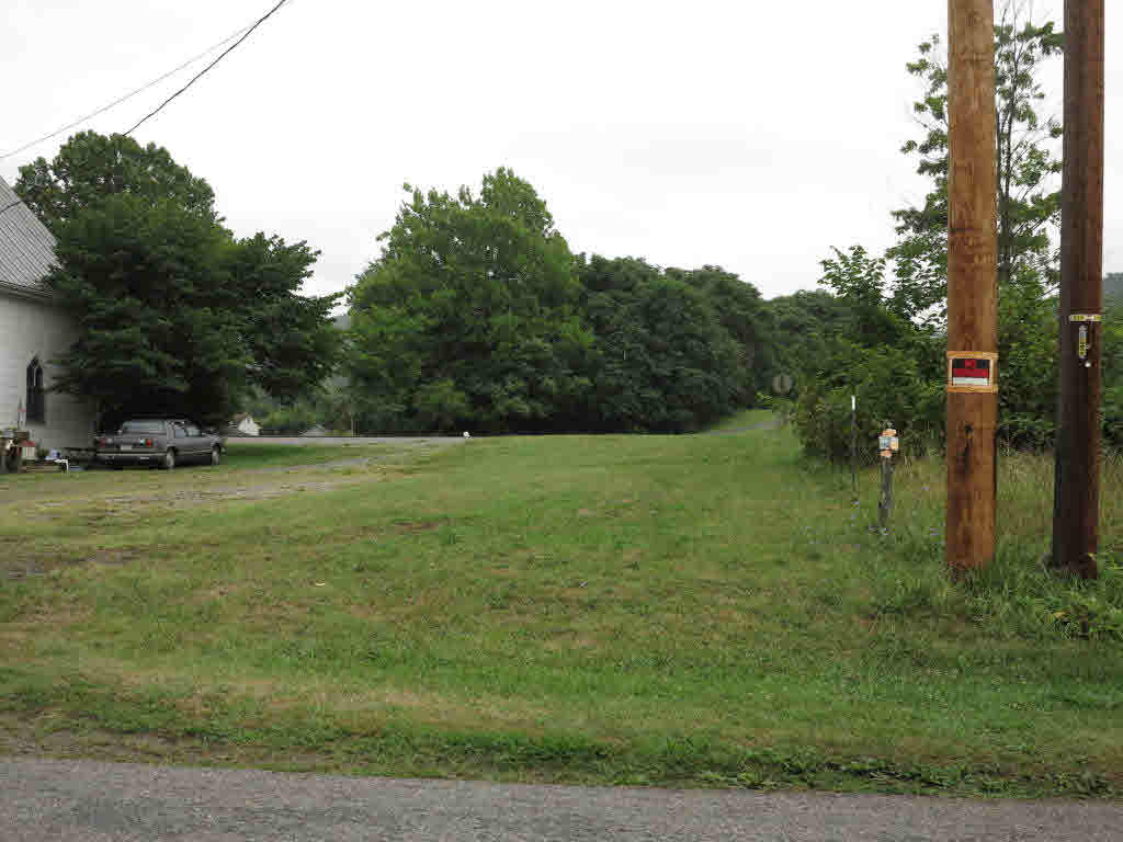 GREAT PARKING FOR COMMERCIAL PROPERTYNEXT DOOR. This lot is to be sold only with MLS #329630 and MLS #329627.