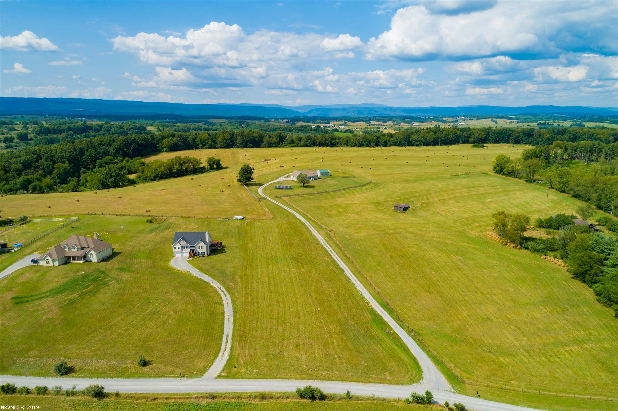 +/-1.462 acre building lot located in Hedge Lane Subdivision in Pulaski County, VA. Convenient to I-81 and US 11 and located a manageable distance from Virginia Tech, New River Community College, and Radford University. The property has a nice level lay and provides a great location to build the home of your dreams!