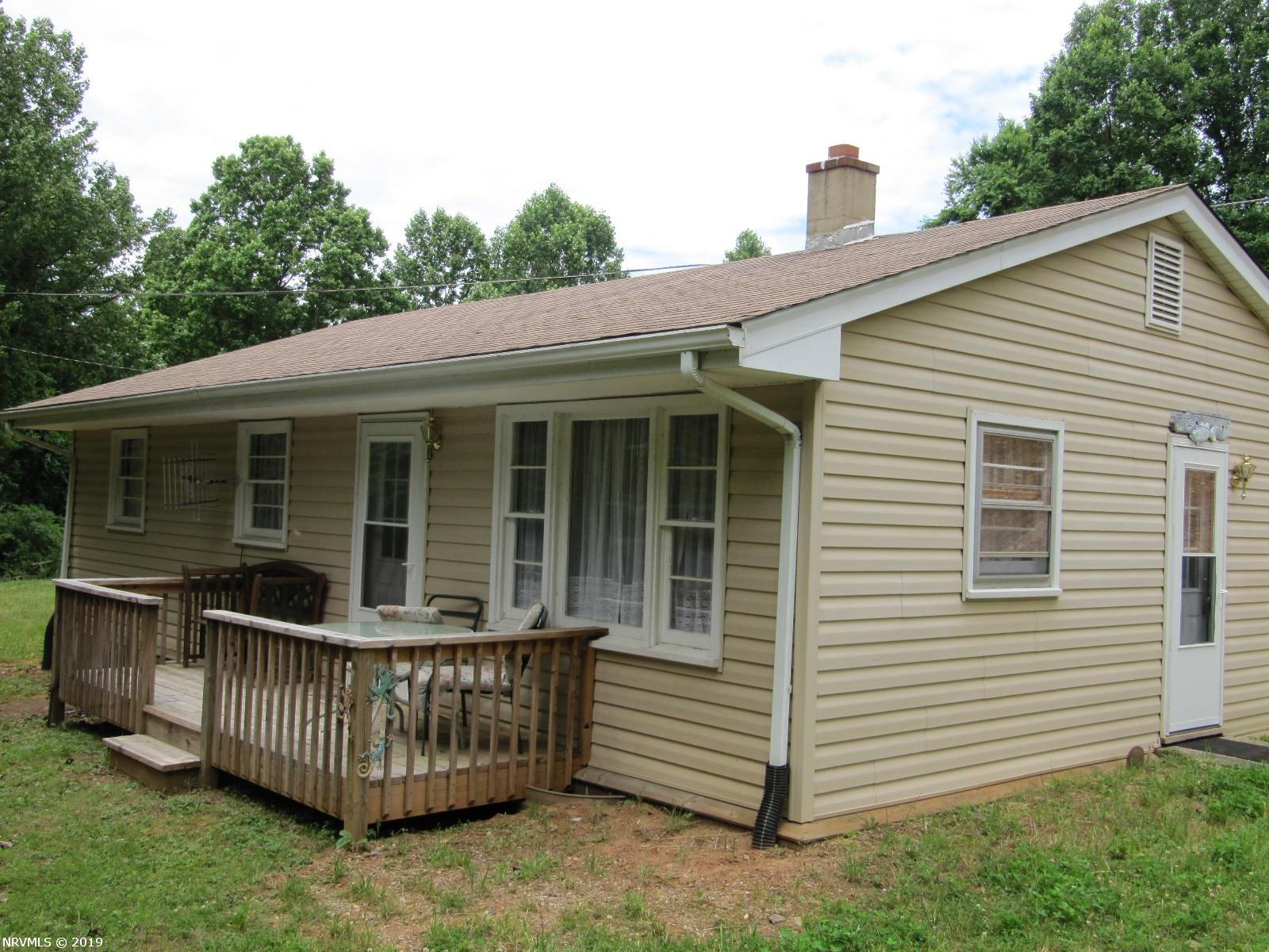 Move in ready. Newly remodeled, heat pump, hot water tanks, microwave, ceiling insulation, vinyl siding and more. Updated wiring and breaker box. Fully furnished. Less than a mile from the Blue Ridge Parkway. Great value, a lot for the money. Great investment property.