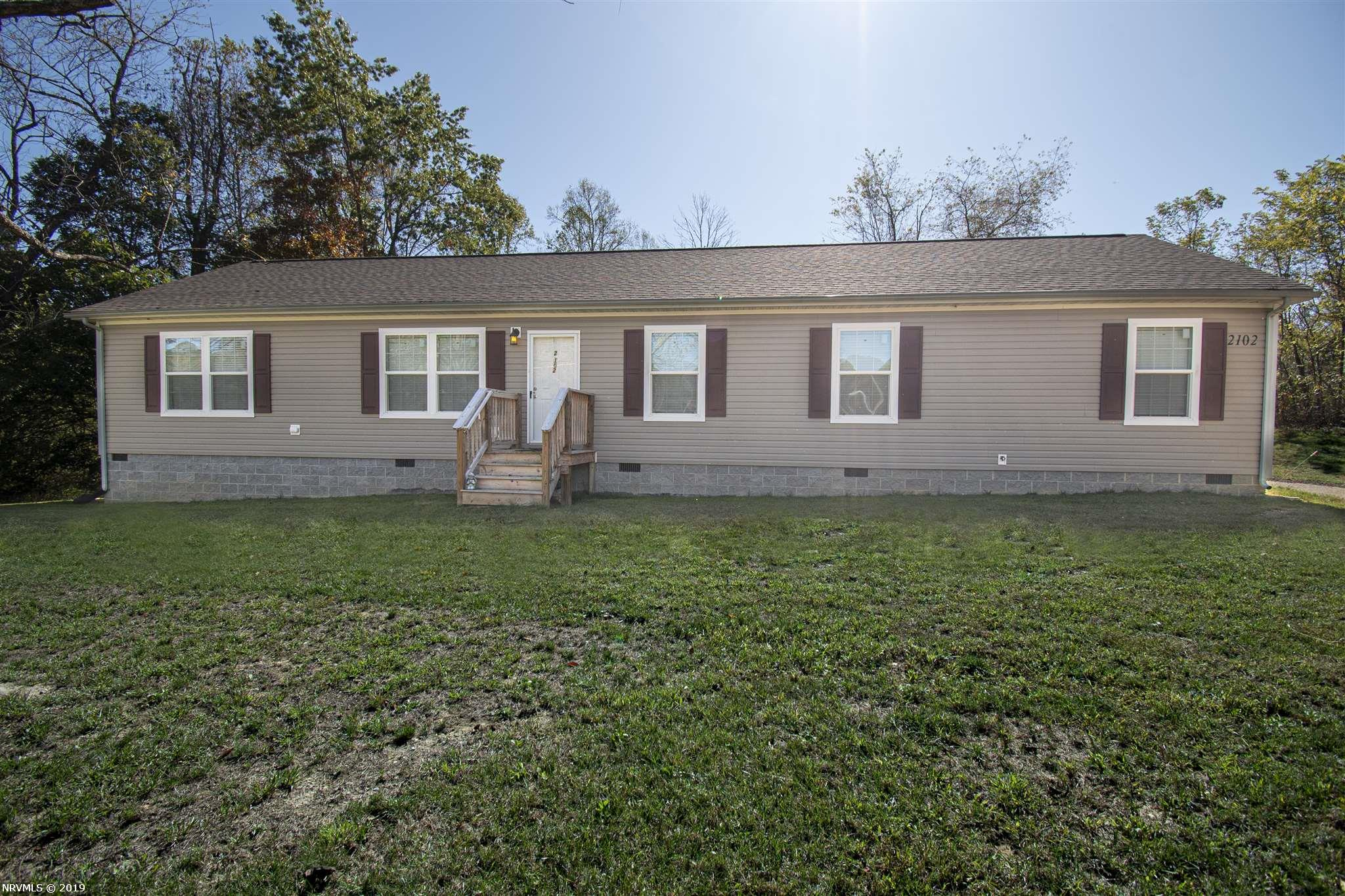 Almost new 1 level 4BR/2BA home in Blacksburg.  Home is located on .56 acre lot that backs up to farmland.  Large Kitchen is open to both the Living and Family Rooms, featuring a large island, recessed can and pendant lighting, wood cabinets with ample storage, lots of counter space, and Frigidaire appliances.  Large Master Bedroom with en suite bath that features both a larger glass shower, a soaker tub, dual vanities, and his/her closets.  3 additional larger bedrooms share a 2nd bath also with dual vanities.  Rural setting located just minutes to Blacksburg Schools and Virginia Tech.