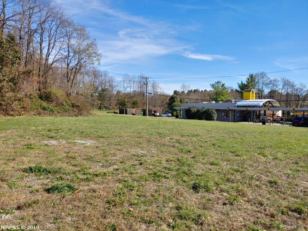 0.7749 acres of vacant commercial land located between Kroger and Sonic Drive-In in Christiansburg, VA. Great location for a business with easy visibility and a high traffic count!