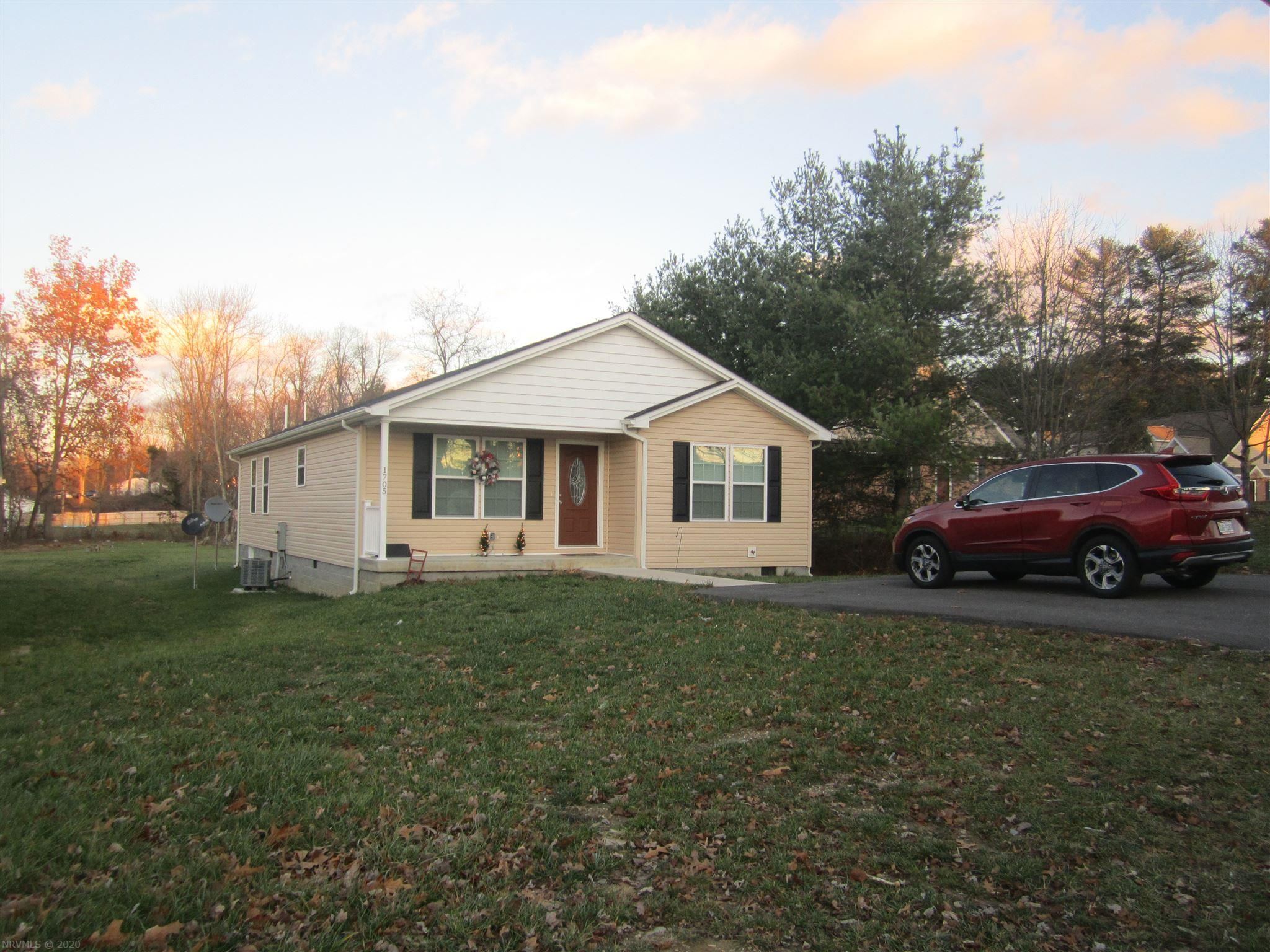 Nice 3 Bedroom 2 Bath Home. This Home offers an open Floor Plan with over 1500 Square Feet on one Level.