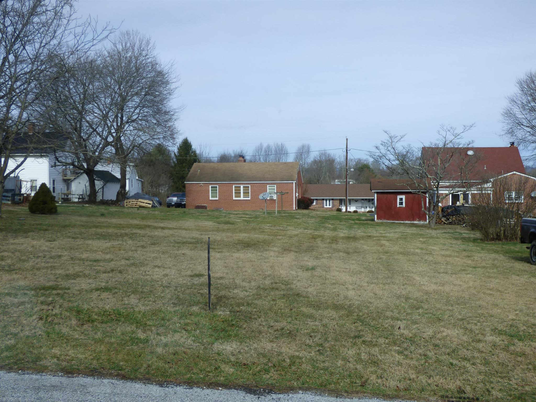 Very nice level building lot on a quiet dead-end street in the heart of Rural Retreat.