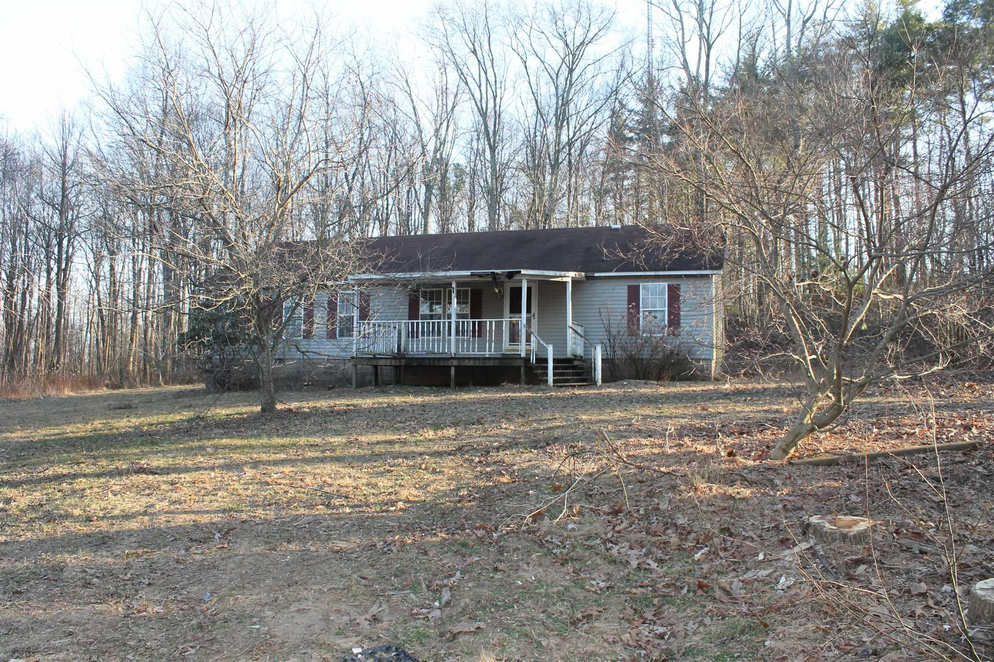 Great fixer upper. 10 acres of wooded land for expansion or hunting. Great privacy.