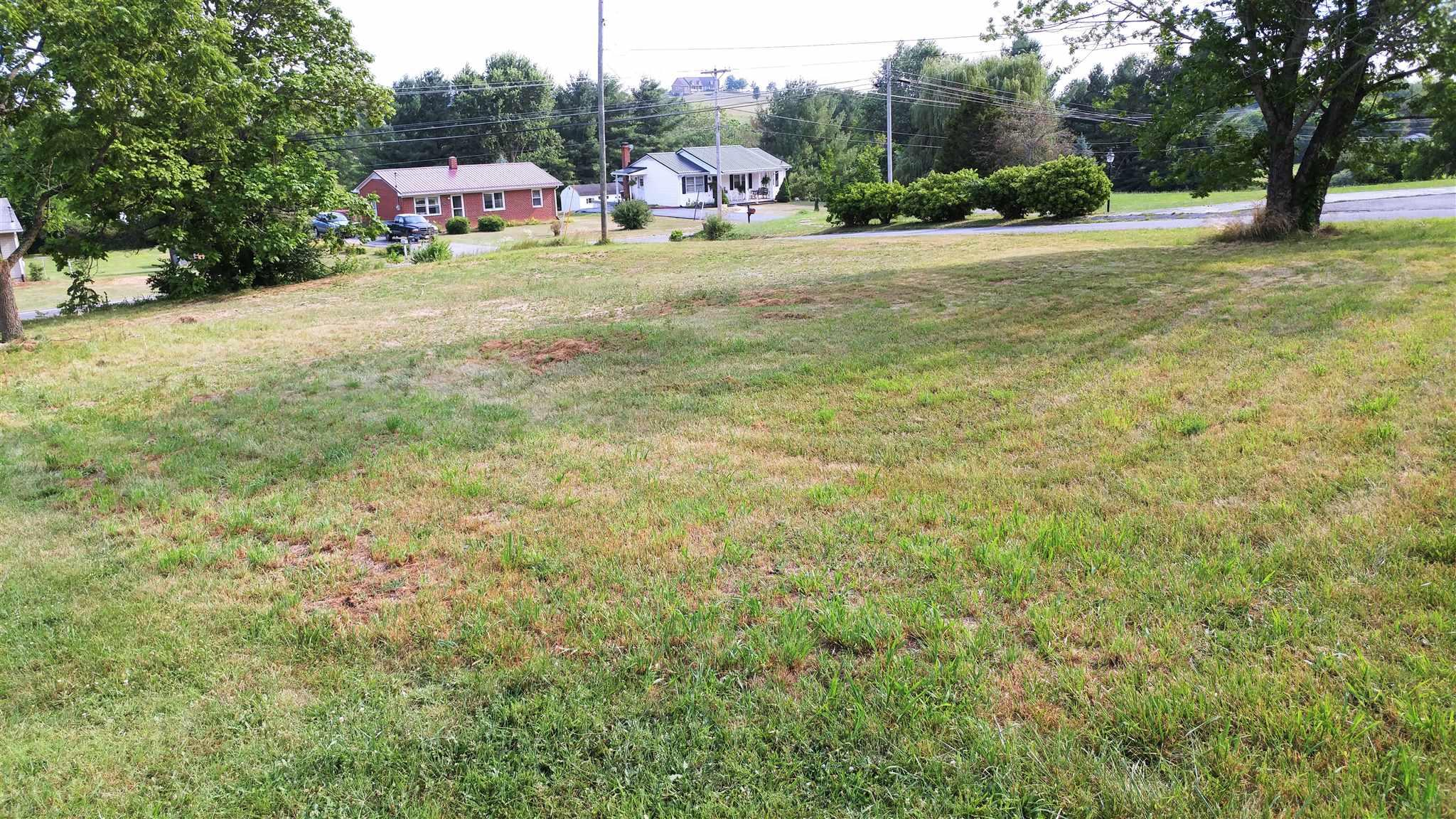 Nice semi-level .301 acre vacant lot for sale just outside Christiansburg town limits. Lot has no town water, sewer, or septic. Easy access to Interstate 81.