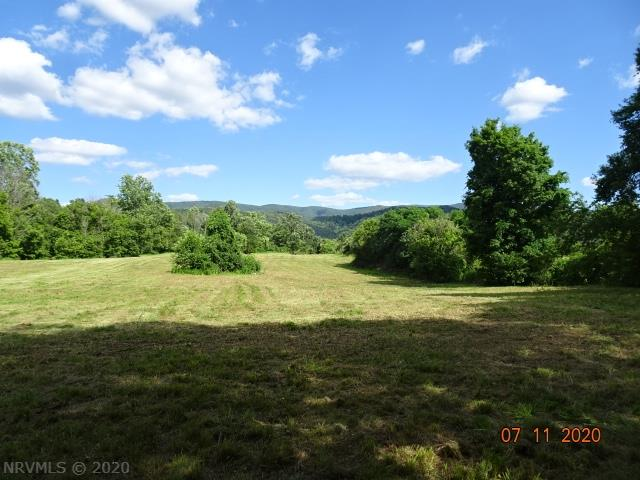 These 5 acres in Elliston, VA consist of large, level fields that are perfect for the construction of your new home. This quiet, country setting is hard to beat. Bring your livestock as well and create your own mini farm. Horse barns are permitted! Located right next door to schools. Christiansburg and Salem VA are both within a 20 minute drive!