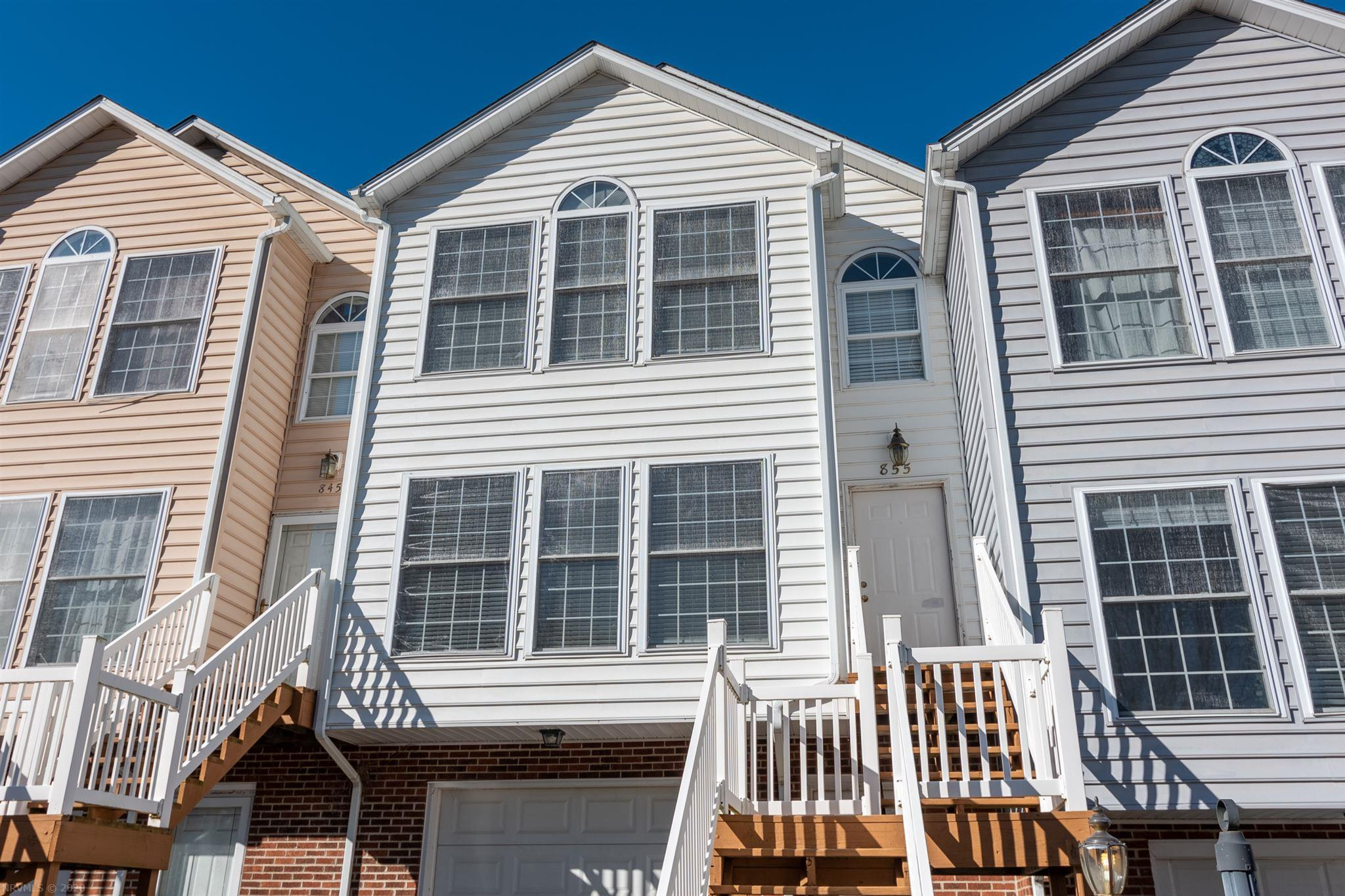 This lovely, light filled 3 bedroom, 3 1/2 bathroom townhome is perfectly situated only minutes from I-81, Rt. 460, and downtown Christiansburg. This charming 1700 sq ft home features a large living room with hardwood floors, a spacious eat-in kitchen with stainless steel appliances, and a large deck to enjoy those family barbecues or play with your pet in the private fenced-in courtyard. Upstairs boasts a gorgeous master suite with a vaulted ceiling, spectacular floor to ceiling windows, a walk-in closet, and en-suite bathroom. Also upstairs is another large bedroom with an en-suite bathroom and it's own private balcony! The basement provides the third bedroom and bathroom along with a generously sized garage for all your storage needs. This one won't last long, so make it yours today!