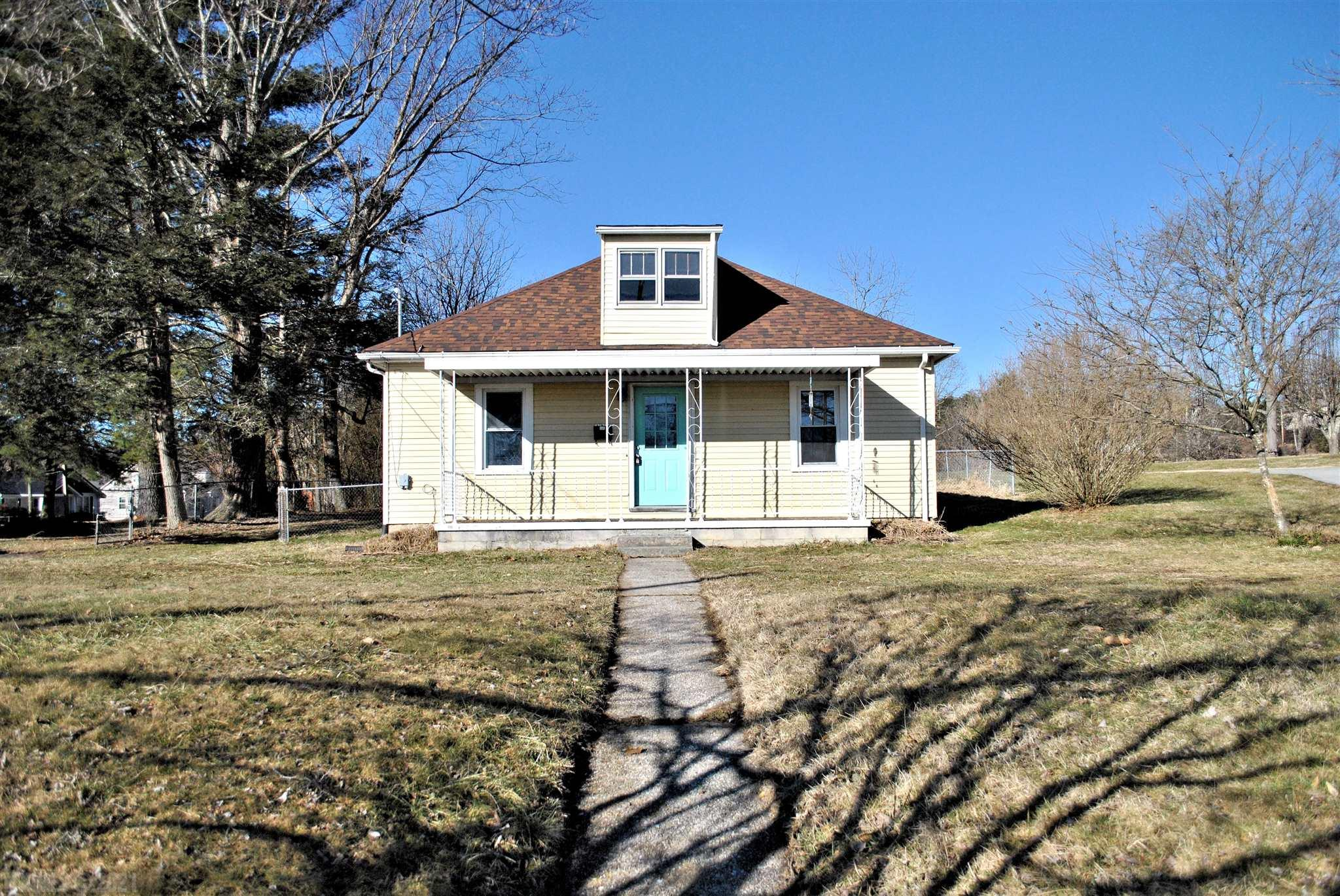 Two bedroom, one bath home minutes from downtown Pulaski with lots of potential. Covered front porch, partially fenced backyard, spacious laundry/mud room just off the kitchen with backdoor access to the yard. There is a partially finished loft area upstairs and home sits on a large, flat yard!