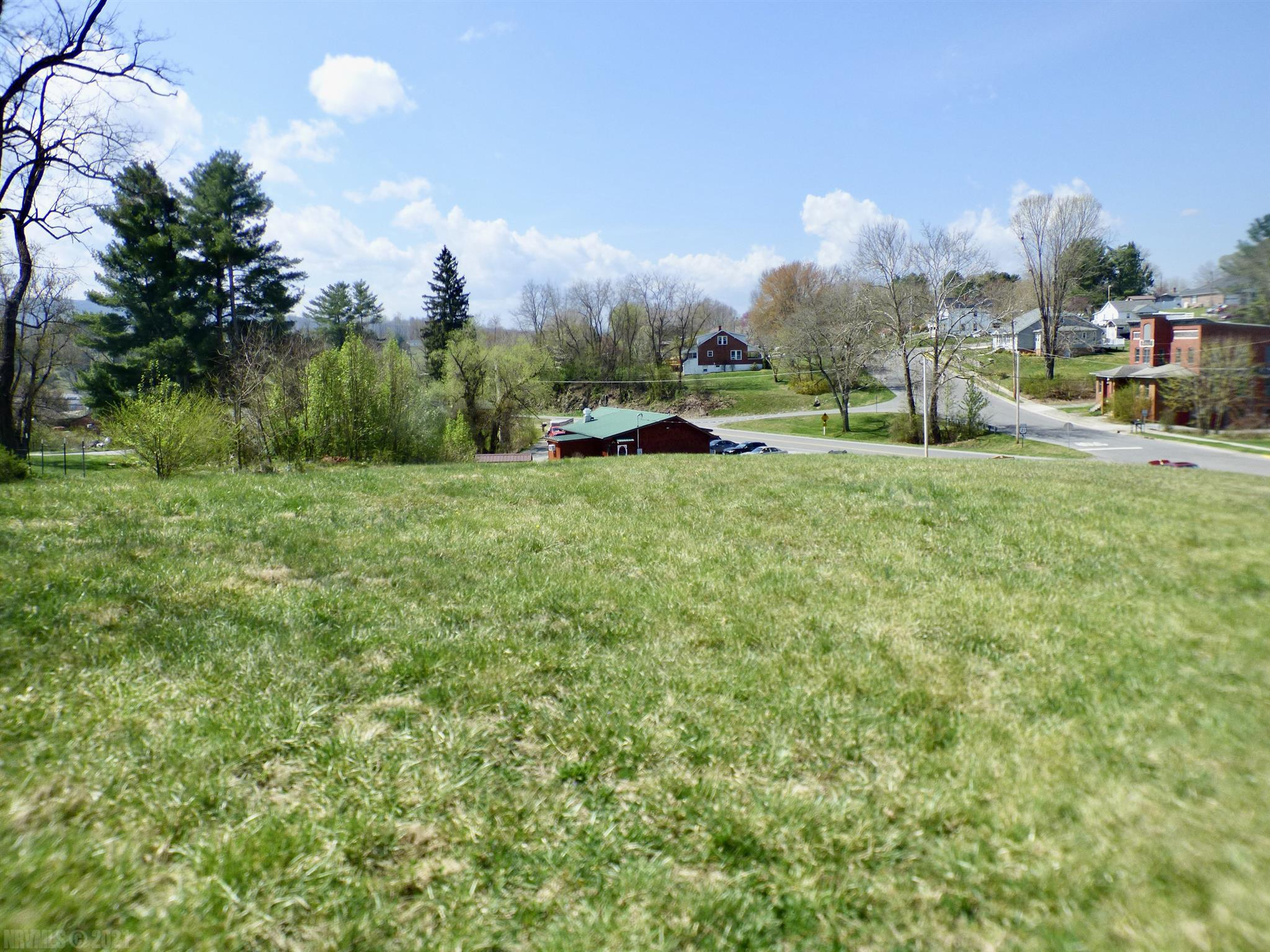 A blank slate awaits the buyer of this lot located on West Main Street in Wytheville, Va. Zoned B-2; this property has loads of potential. From single-family housing to multi-family or build your business office here. Priced to sell. Call today before it is gone.