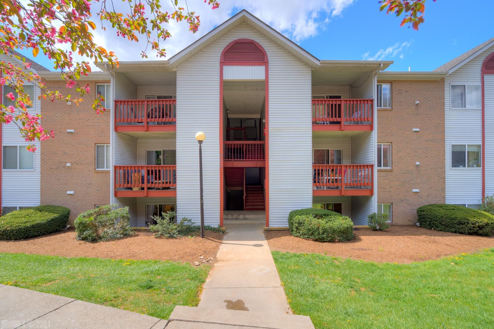 Come see this 3-Bedroom, 2-bath condo in Downtown Blacksburg! Walking distance to Virginia Tech and just 2 blocks from the BT bus stop. Newer stainless steel appliances in the kitchen and stacking washer/dryer set conveys.  The open living and dining rooms and hallway have tile floors and sliding doors open to the outside patio.  Water heater and HVAC are well-maintained. Current lease ends May 31, 2021 and will be ready for new owner/tenants.