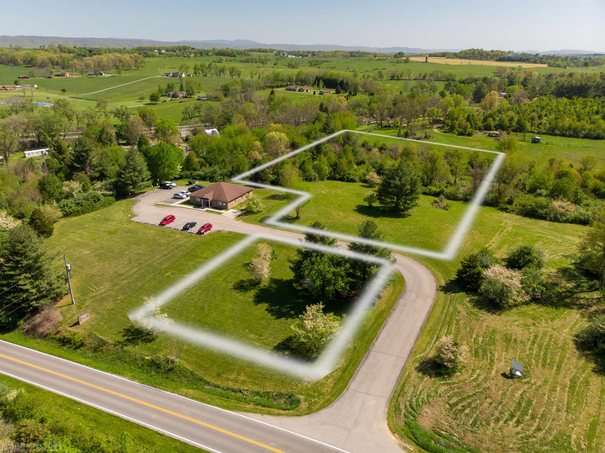 Prime commercially zoned land with excellent road frontage on Cougar Trail Road in Dublin. Provides tons of promise for any new or firmly established business! Situated right off Route 11, this lot is the perfect area to build and grow your business!