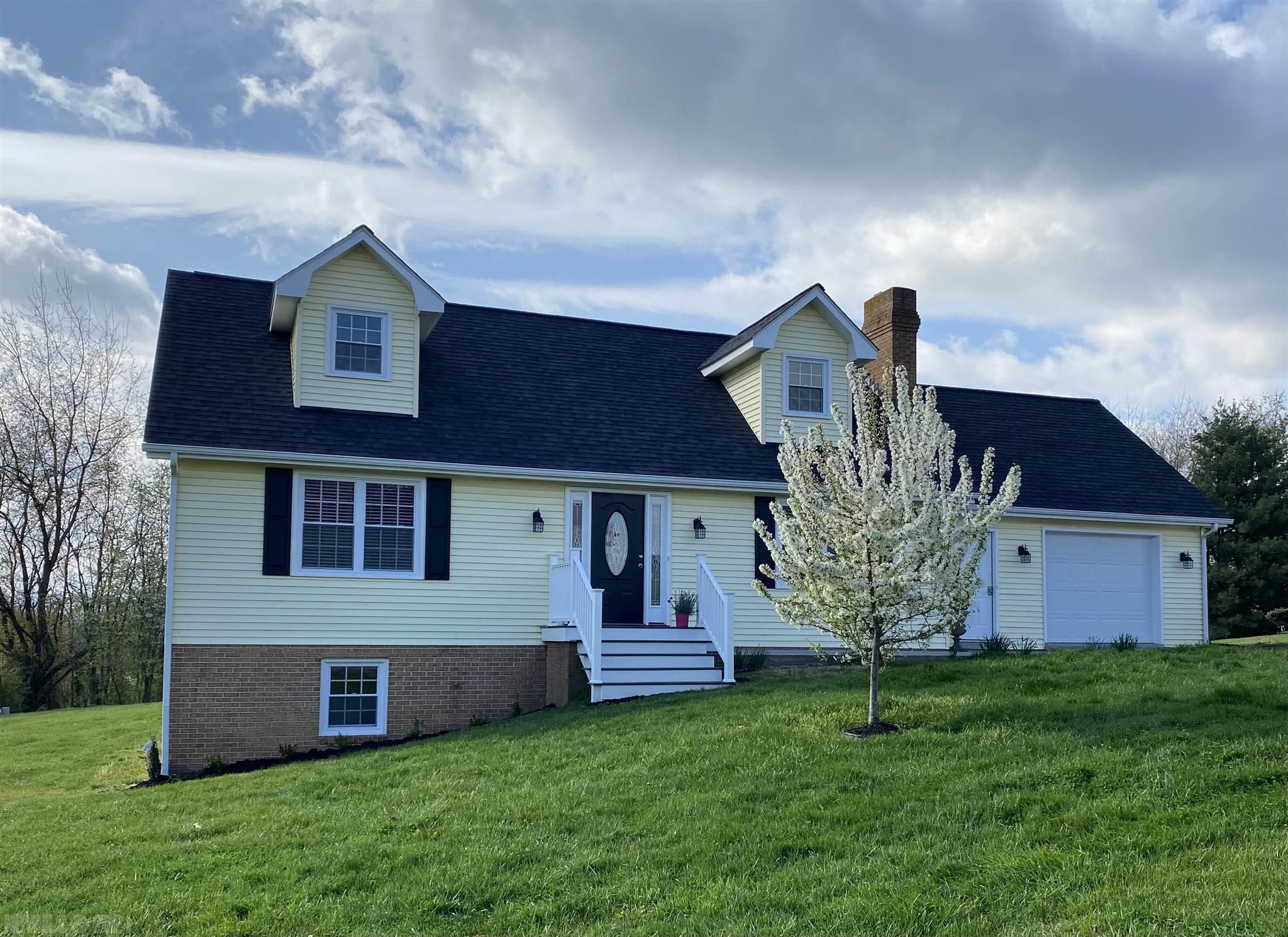 Remolded Cape Code in desirable Newbern Heights sub-division.  Close to I-81, Volvo, Walmart, Town of Pulaski and Dublin.  Home features 4 bedrooms, 3 full baths, large family/game room in the basement and 2 garages.  To many updates to list.  A must to see.