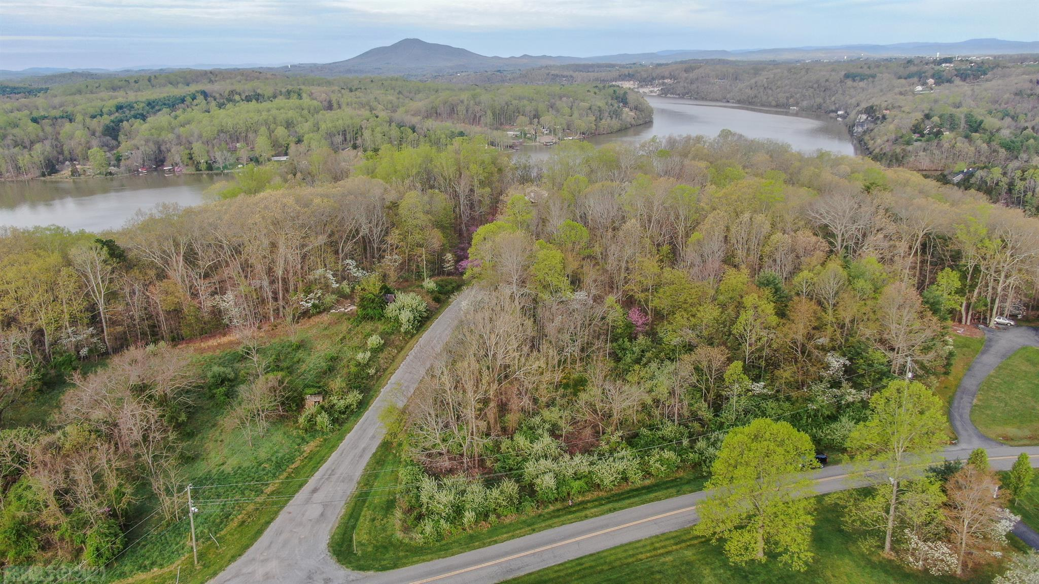 Great building site with lake access & mountain views.