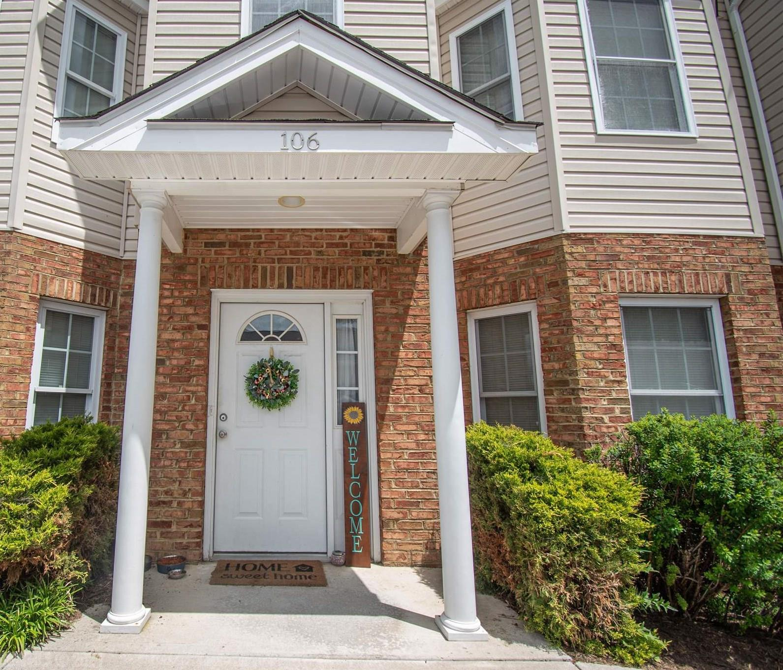 Well maintained Radford townhome in a convenient location to Radford University, shopping, and I-81! Enter on the lower level to find a spacious bedroom with full bath as well as a large storage area. The main level offers abundant light throughout the open concept consisting of living, kitchen, and dining rooms, as well as access to the patio. On the upper level, you will find two bedrooms with ample closet space as well as a shared full bathroom. 106 Sutherland Drive has great potential as an investment property or as your home-sweet-home!