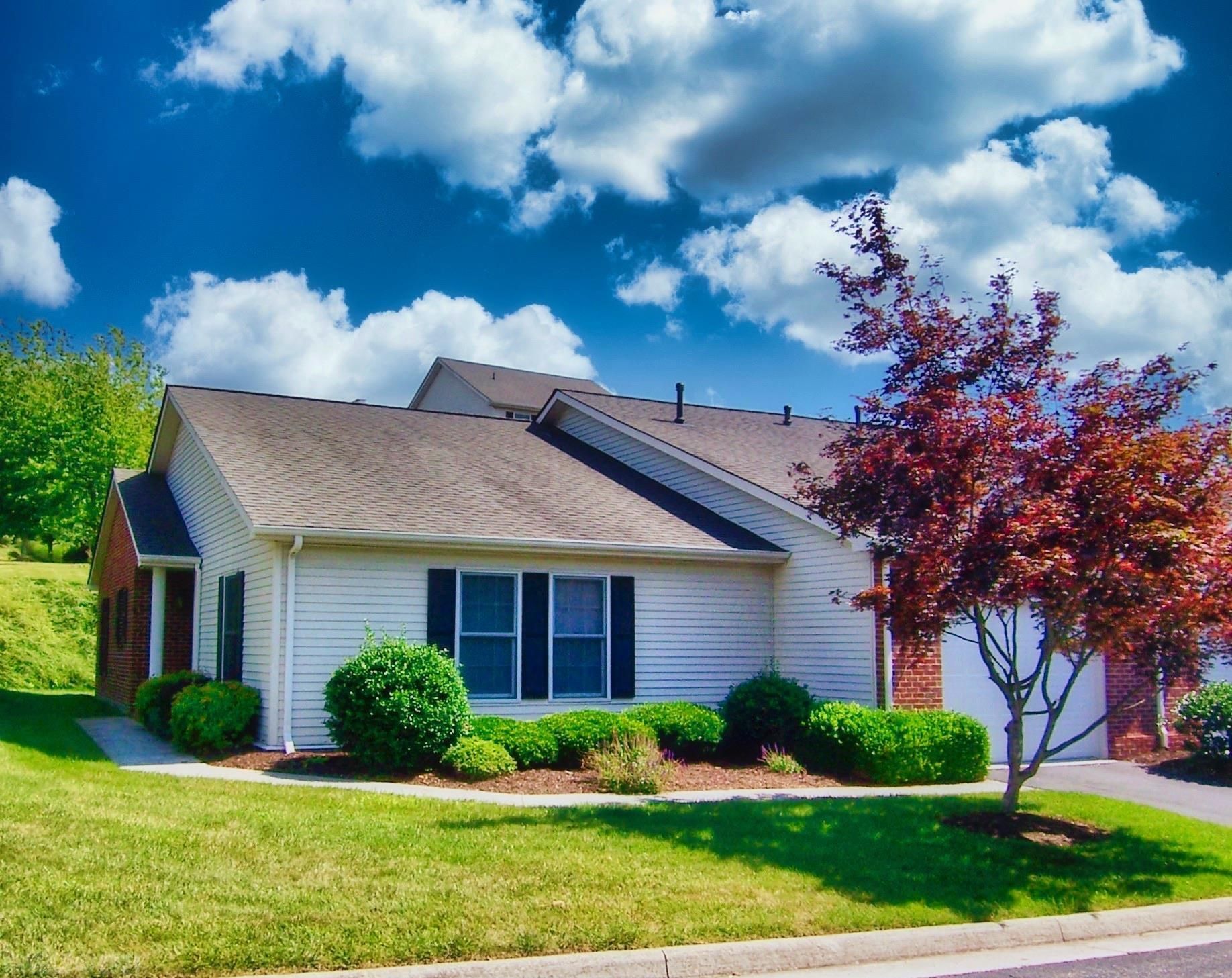 Great one level floor plan in the much sought after complex of Vista Pointe. The floor plan is a nice open floor plan. Close to everything. Even the Blacksburg bus stops near to the unit. Walk to Blacksburg for events.  Great deck. The Master bath has a walk in shower as well as a jacuzzi tub.  Garage. The utilities are underground and the streets have street lamps on both ends. You will love this quiet complex with professional landscaping.