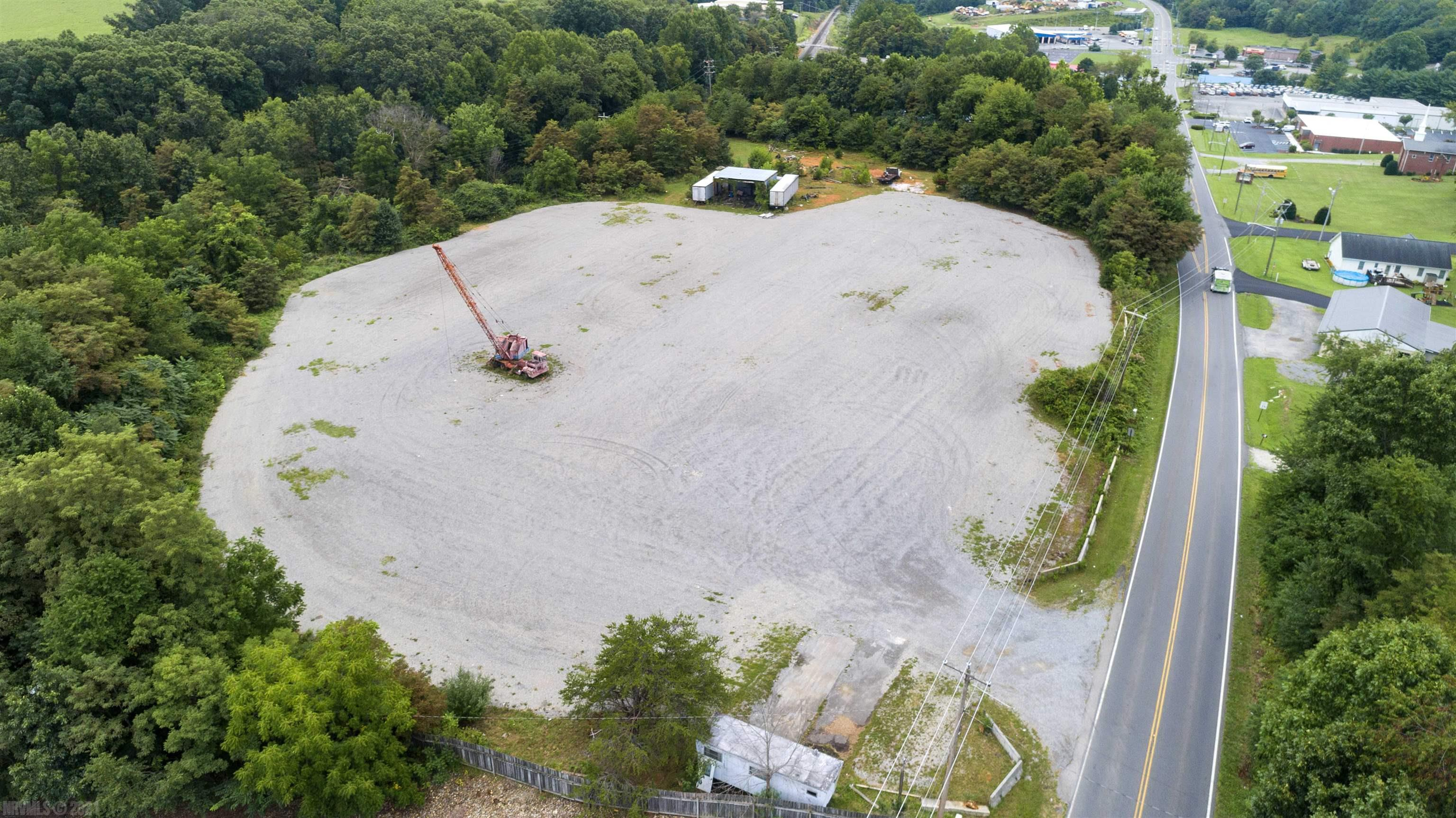 Are you looking for a place to land your business that has easy access from I-81 and in a highly traveled area?  Here it is. Only 5 minutes to Volvo, James Hardee and I-81 and 15 minutes to Dublin Airport and a Port of Entry! This lot is full of possibilities!! All it needs is someone with a purpose for it and a calling to step out and jump. Call today for your private showing.