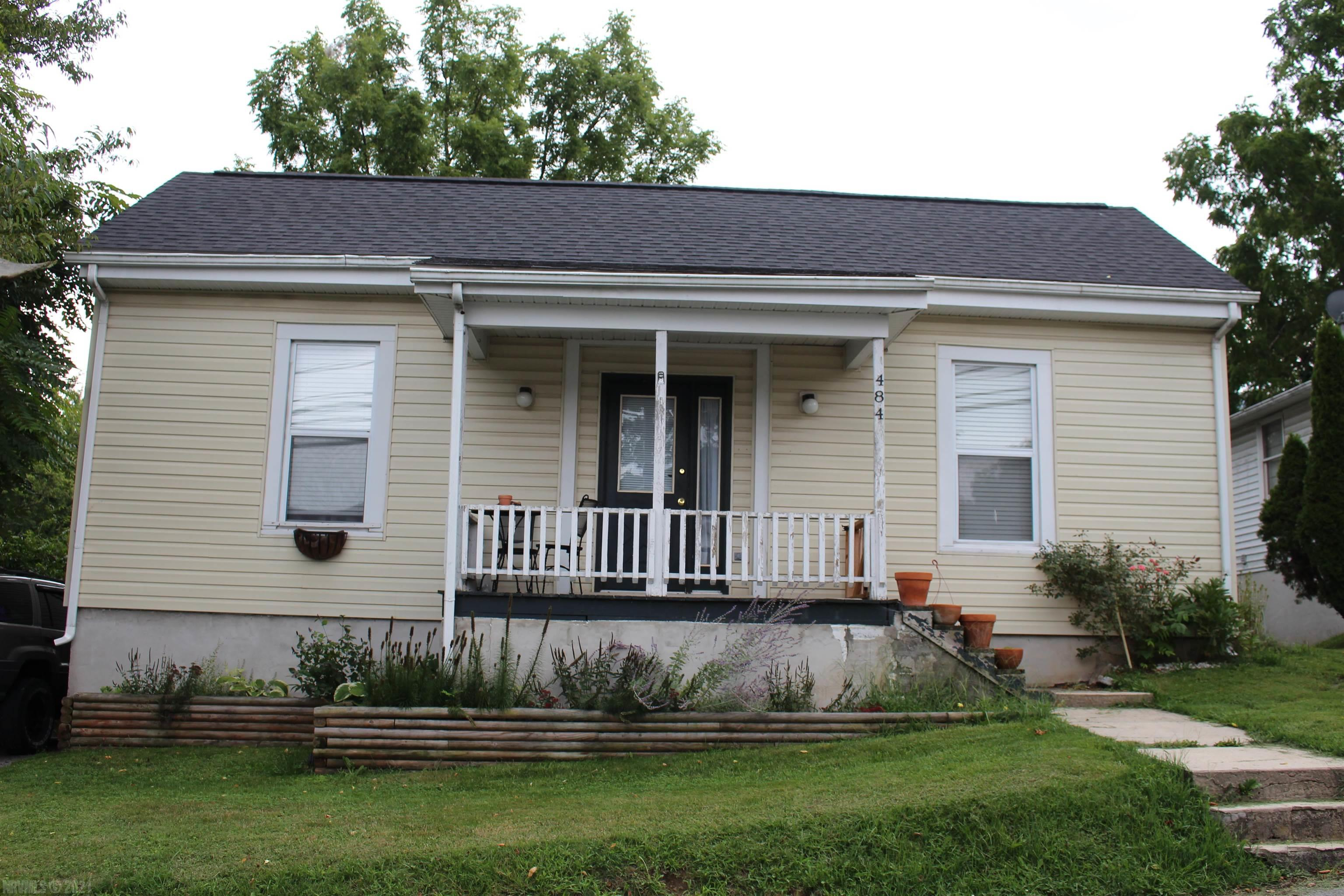 Perfect for investor or DIY Owner-Occupant, this 2-bedroom home is located in historic Tazewell very near Main Street, library, Court House, restaurants.