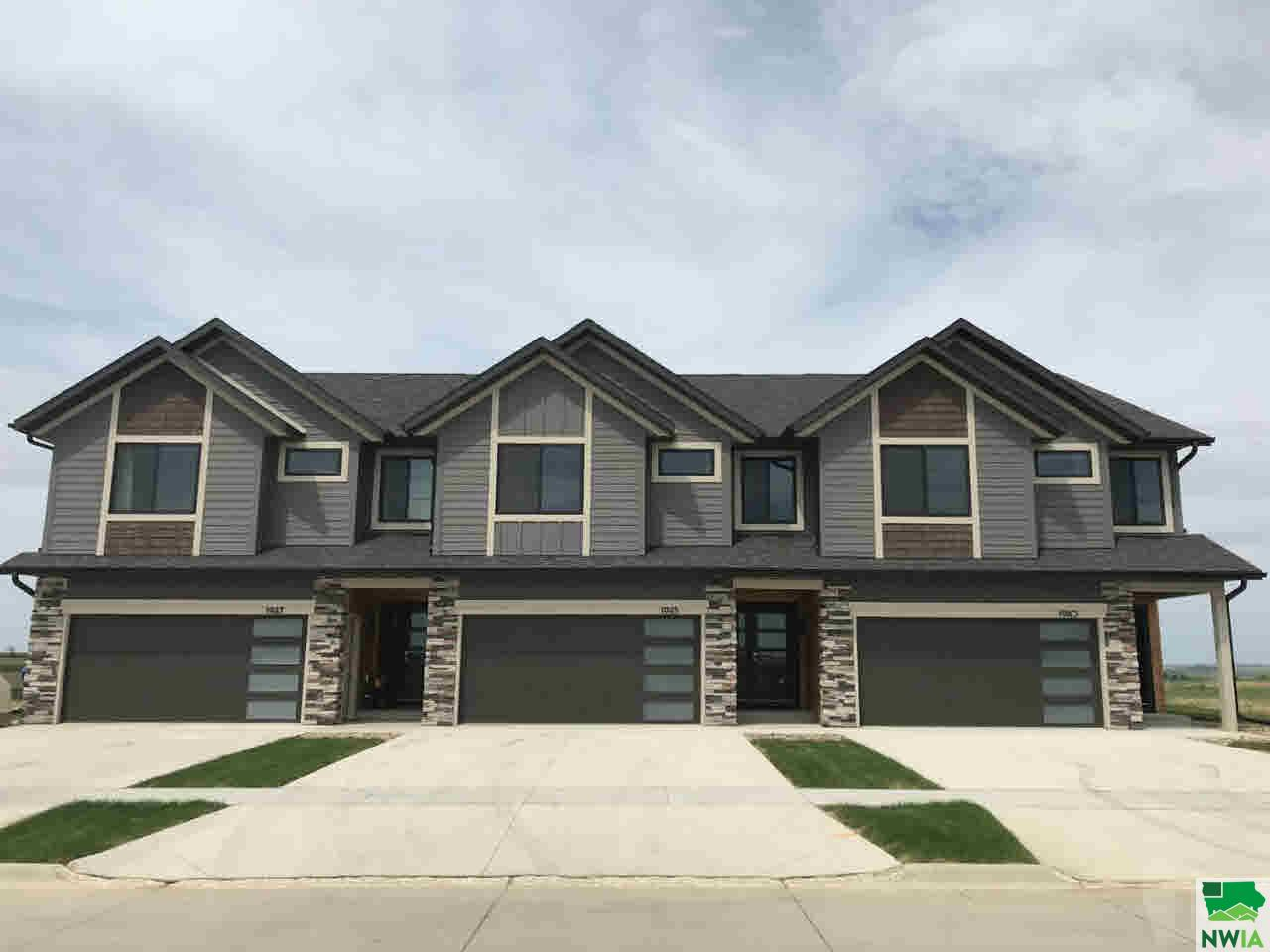 Property for sale at 1945 4th Avenue Se Unit: 2, Lemars,  IA 51031