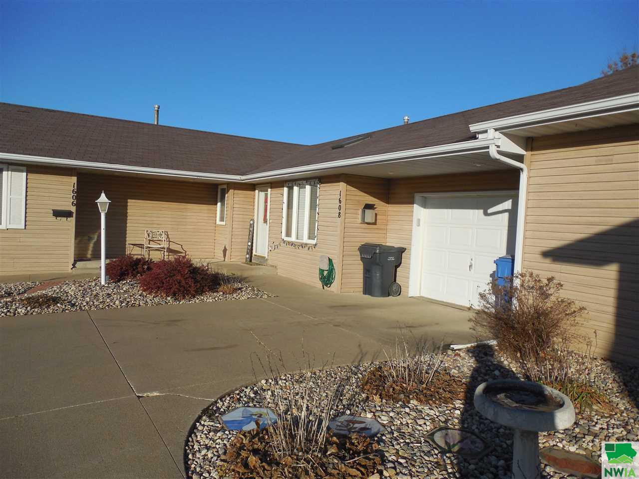 Property for sale at 1608 Sunset Unit: Drive, Lemars,  IA 51031