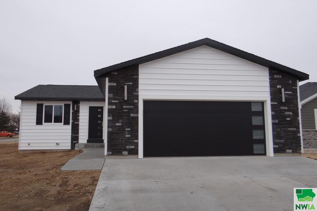 Property for sale at 593 14th St Sw, Lemars,  IA 51031