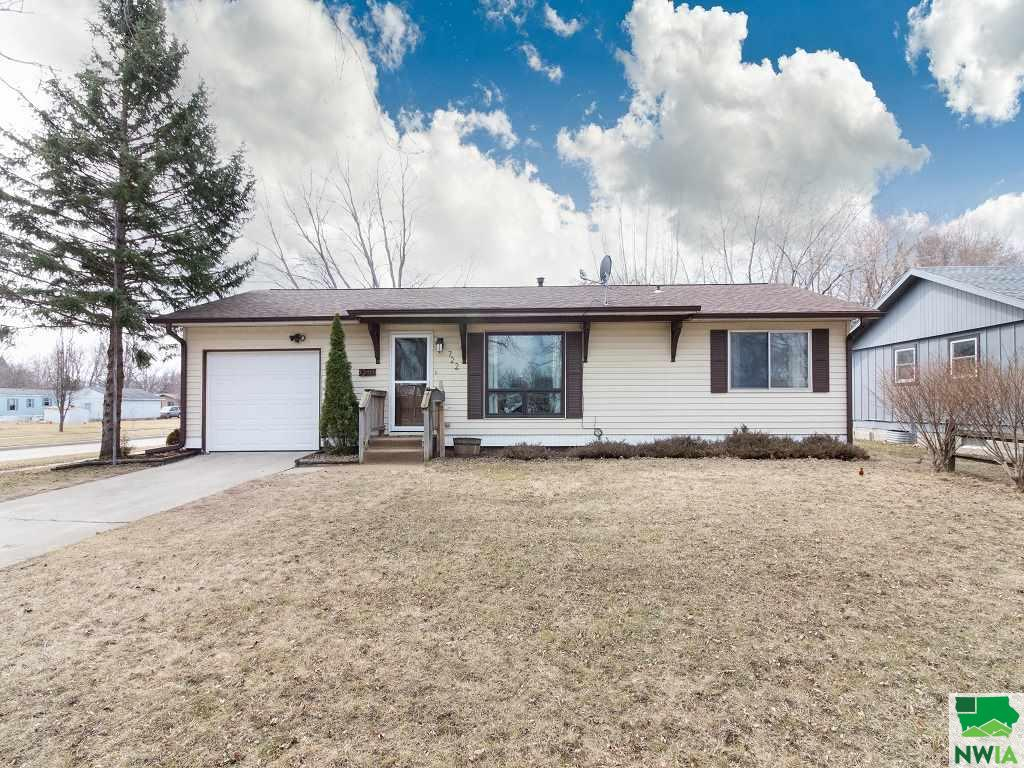 Property for sale at 722 4th St, Onawa,  IA 51040