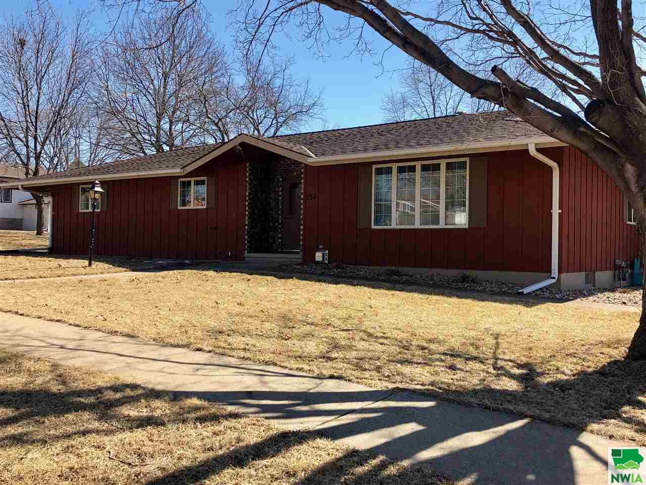 Property for sale at 134 Prospect St Sw, Lemars,  IA 51031