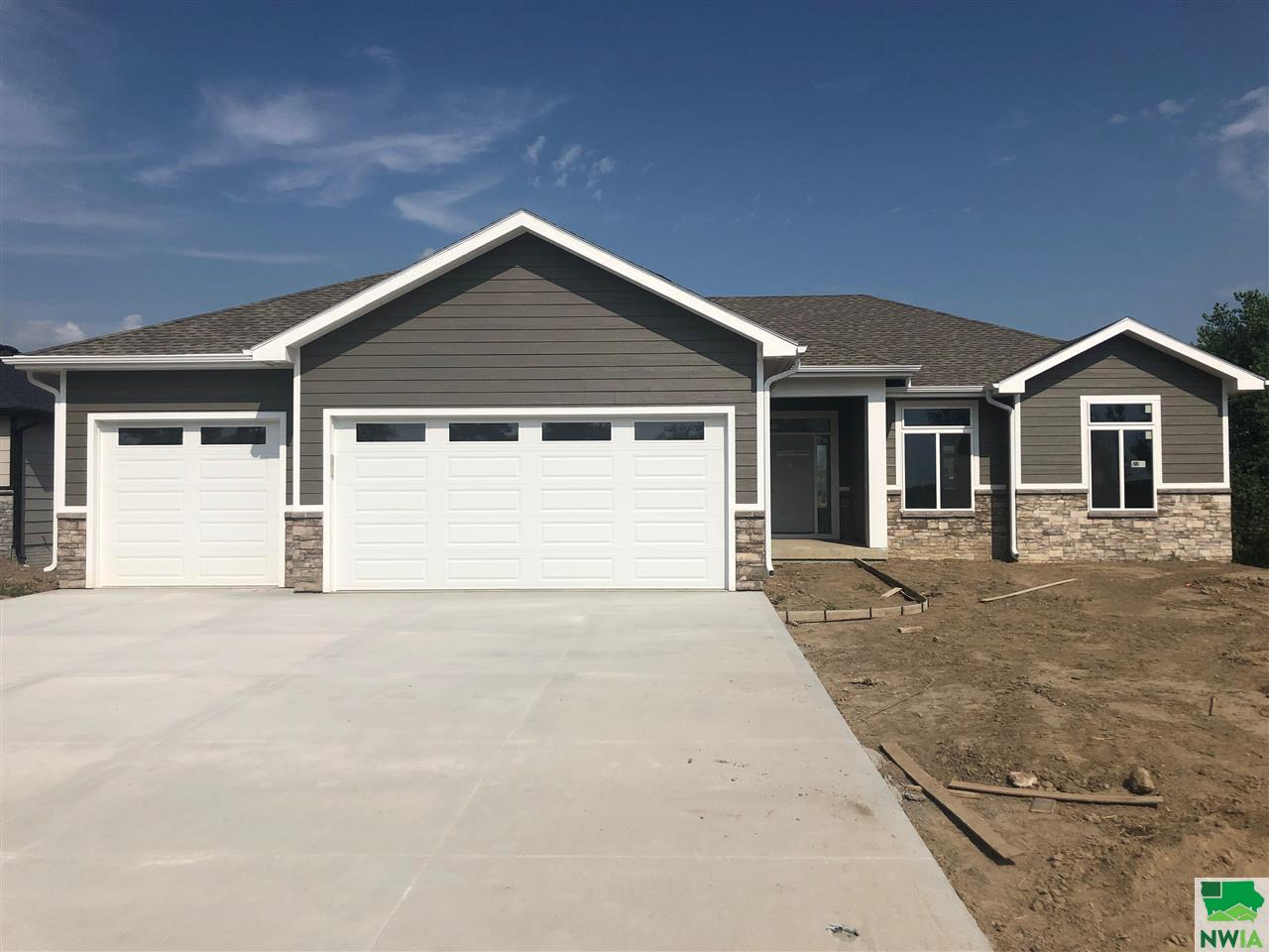 Property for sale at 196 N Canterbury Lane, No. Sioux City,  SD 57049