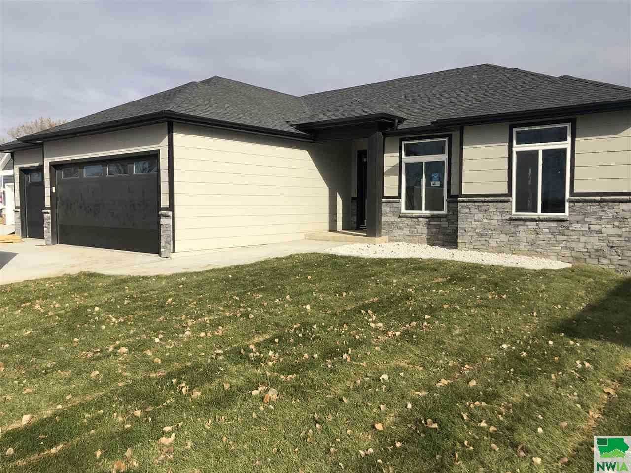 Property for sale at 194 N Canterbury Lane, No. Sioux City,  SD 57049
