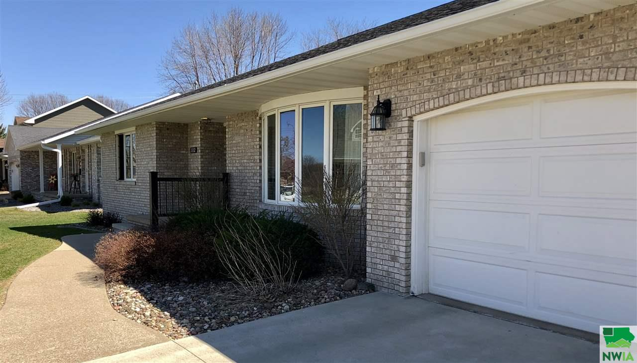 Property for sale at 1332 Ridgewood Unit: Dr, Lemars,  IA 51031