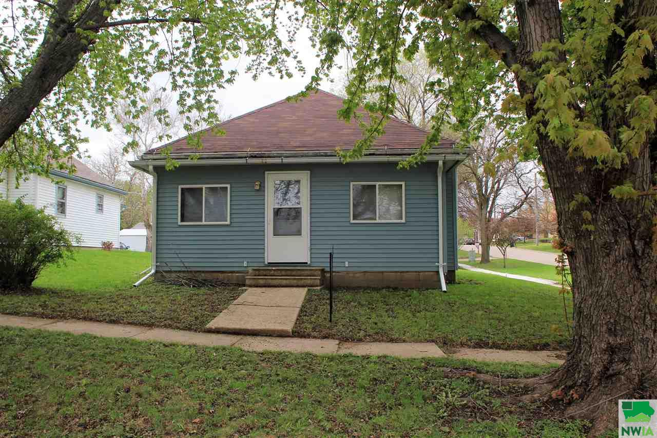 Property for sale at 302 Ash, Moville,  IA 51039