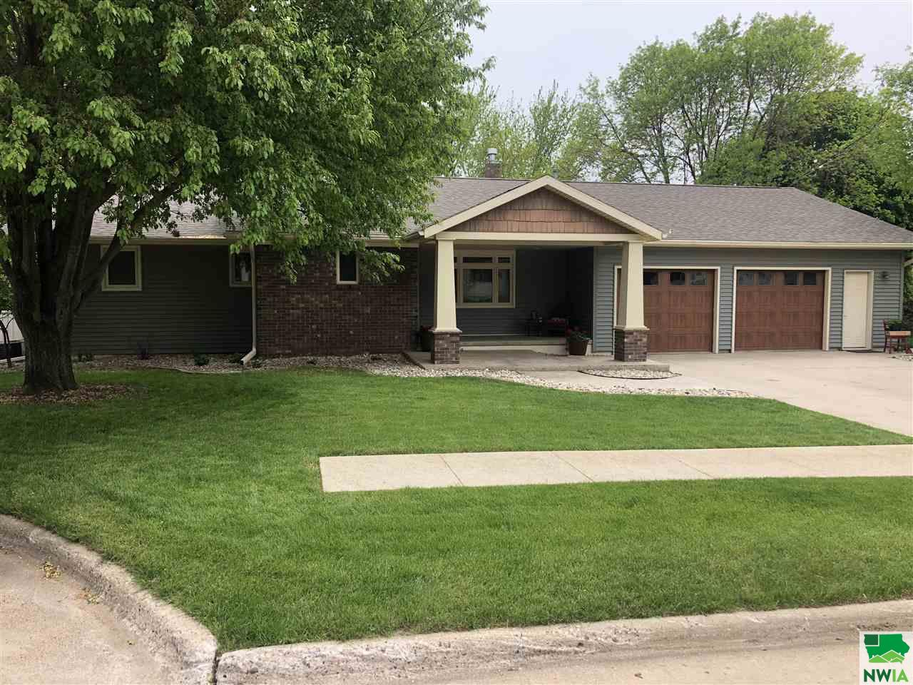 Property for sale at 30 Laura Drive, Lemars,  IA 51031