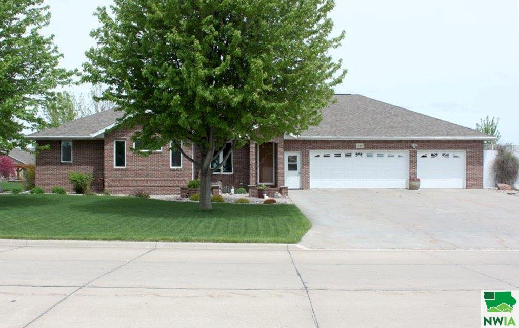 Property for sale at 640 14th Street Se, Sioux Center,  Iowa 51250