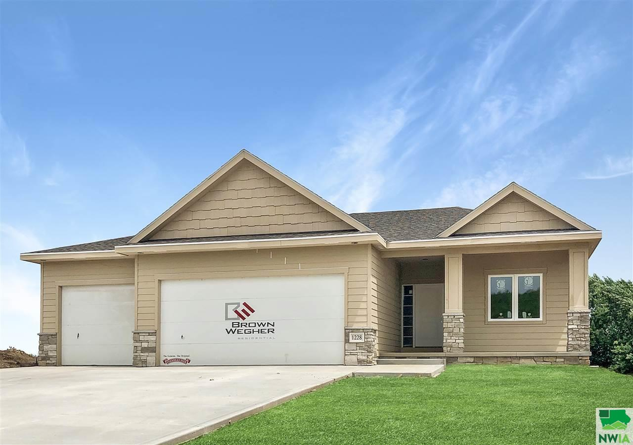 Property for sale at 1228 Blackhawk Court, Hinton,  IA 51024