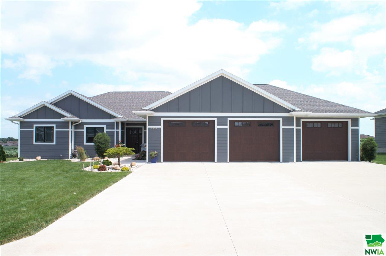 Property for sale at 1904 6th Ave. Se, Sioux Center,  IA 51250