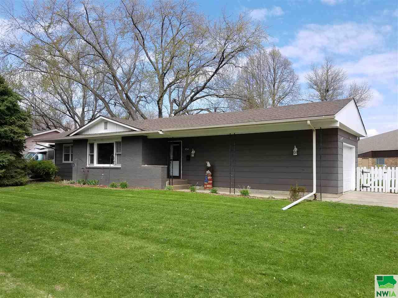 Property for sale at 834 Eastgate, Vermillion,  SD 57069