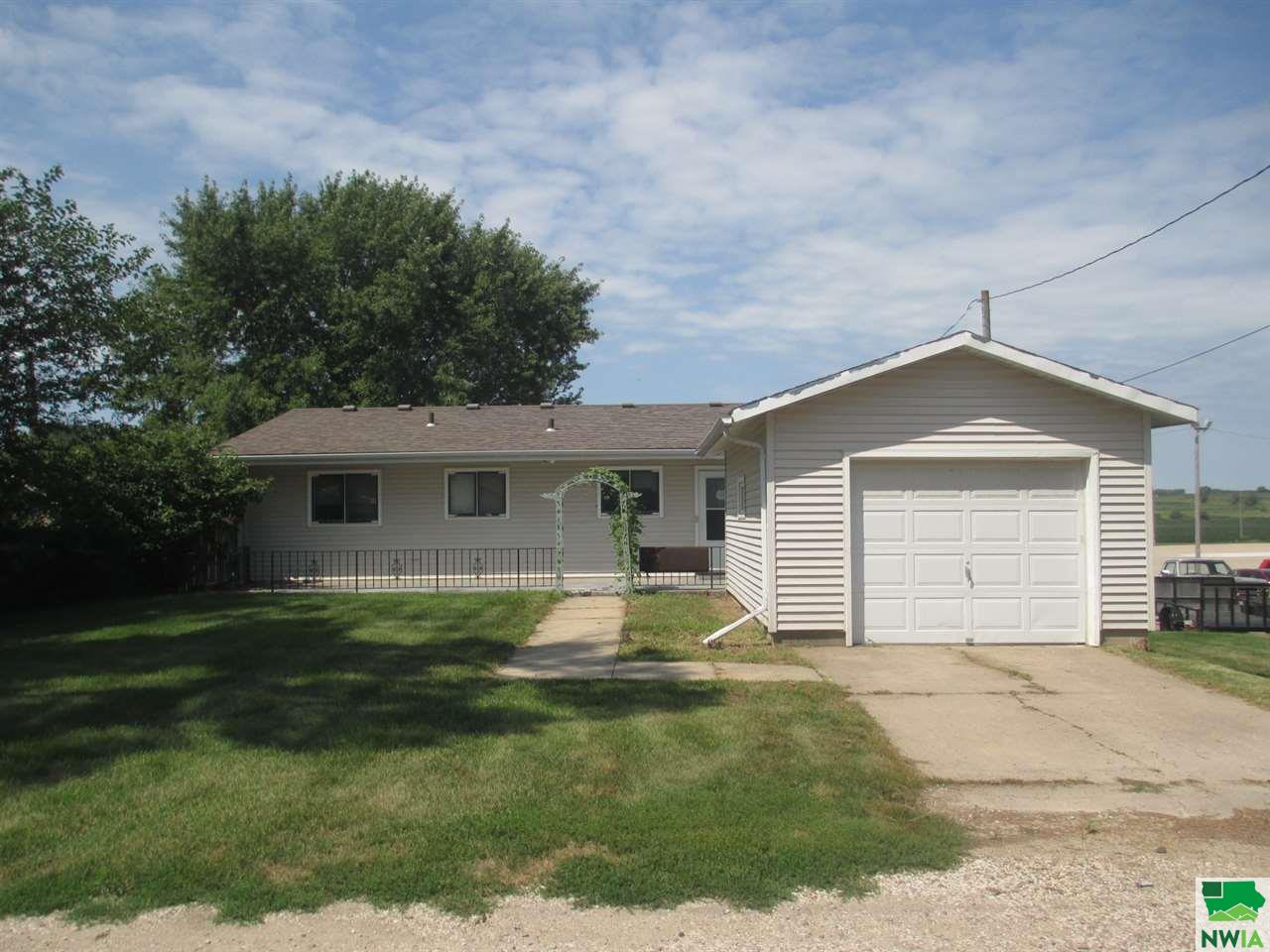 Property for sale at 126 5th Ave Nw, Lemars,  Iowa 51031