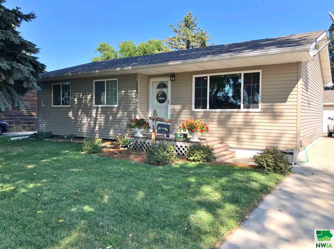 Property for sale at 3308 Lemesa Way, South Sioux City,  NE 68776