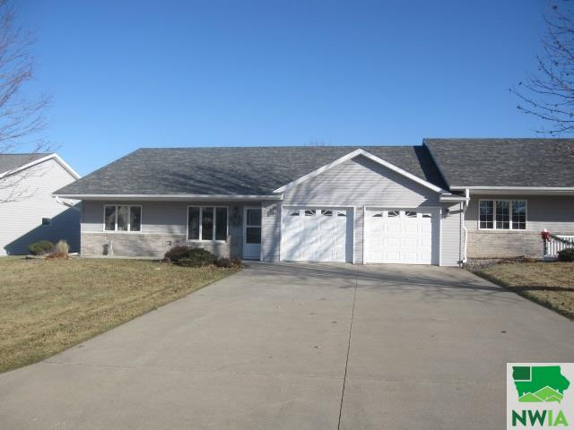 Property for sale at 1260 7th Ave Se, Sioux Center,  Iowa 51250